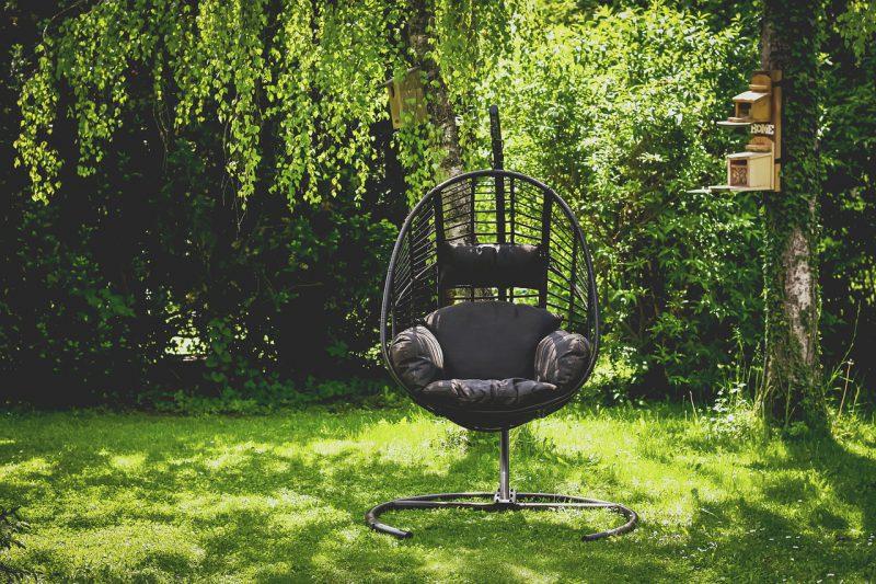 Czy fotel wiszący to opcja tylko do ogrodu?
